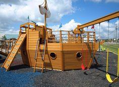 911-pirate-ship-playhouse-side.jpg (895×658)