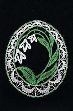 Bobbin Lacemaking, Lace Art, Bobbin Lace Patterns, Point Lace, Lace Jewelry, Lace Making, Lace Flowers, Lace Design, Simple Art