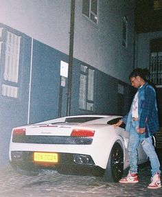 ASAP Rocky is a fashion icon to me b/c he wears what he likes and doesn't try to mimic other's style Asap Rocky Wallpaper, Asap Rocky Fashion, Lord Pretty Flacko, Mode Hip Hop, New Ferrari, Rap Wallpaper, A$ap Rocky, Photocollage, Jordan Retro