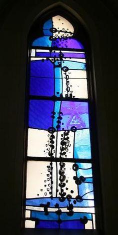 Kerkgebouwen in Limburg Modern Stained Glass, Stained Glass Church, Stained Glass Paint, Stained Glass Designs, Stained Glass Windows, Mosaic Glass, Glass Art, Cathedral Windows, St Michael