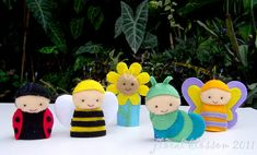 This listing is only for purchase of PDF patterns of the finger puppets featured in the picture. No actual finger puppets will be sent to your address. These PDF patterns will make five garden friends: - Sunny the sunflower - Buzzy the bumble bee - Fifie the butterfly - Felix the