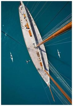 wow, beautiful lines on this yacht Classic Sailing, Classic Yachts, Yacht Design, Cool Boats, Yacht Boat, Sail Away, Set Sail, Birds Eye View, Wooden Boats