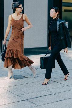 mia // 22 // lisbon & london daily fashion inspiration from the streets Daily Fashion, Fashion Week, Love Fashion, Girl Fashion, Fashion Looks, Fashion Outfits, Womens Fashion, Fashion Design, I Look To You