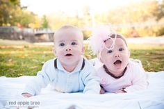 the cutest baby twins Cute Baby Twins, Baby Love, Baby Girls, Tree Photography, Wedding Photography, Brother And Sister Love, Twin Babies, Red Apple, Family Photographer