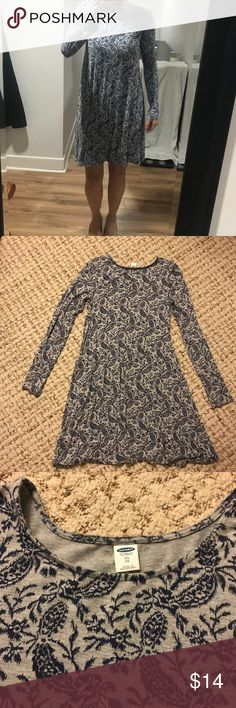 Long sleeve swing dress paisley print Super cozy swing dress, perfect for fall. Beautiful blue paisley print. Cute with tights, boots and a jean jacket or cardigan sweater. Worn twice and in excellent condition, like new. Old Navy Dresses