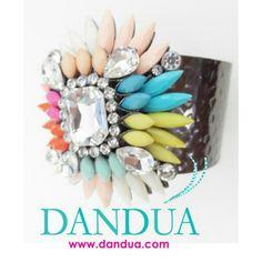 Brazalete flor, disponible en nuestra web #bydandua #dandua #moda #complementos #gangas #pendientes #earings #pulseras #brazaletes #brazalete  Www.dandua.com
