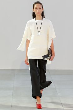 Rather like the new #fashion looks for Spring. They look so easy to wear and suitable for a woman of a certain age. #Céline Spring 2015 Ready-to-Wear - Collection - Gallery - Look 1 - Style.com