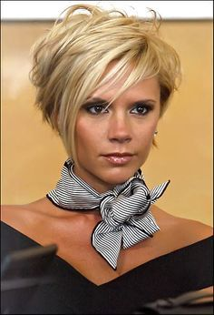 9 Victoria Beckham Styles You Can Adopt to Close that Next Sale – Alyssa Barro. 9 Victoria Beckham Styles You Can Adopt to Close that Next Sale – Alyssa Barroso International Short Hair Cuts For Women, Short Hair Styles, Victoria Beckham Short Hair, Victoria Beckham Hairstyles, Victoria Beckham Makeup, Short Bob Hairstyles, Cool Hairstyles, Celebrity Short Haircuts, Pixie Haircuts