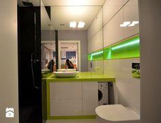 Lavadora y banio? Malaga, Room Interior, Bathtub, Cabinet, Mirror, Storage, Kitchen, Furniture, Home Decor
