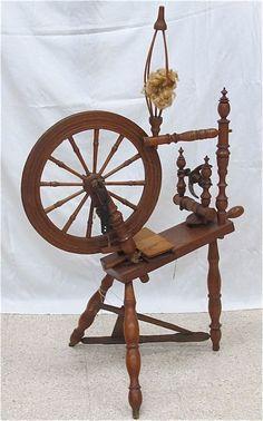 215: Antique Pine Spinning Wheel, 19th Century : Lot 215