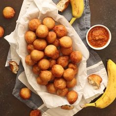 Soft and chewy banana puff puff - quite tasty too! Soft and chewy banana puff puff. Quite tasty too! Donut Recipes, Snack Recipes, Cooking Recipes, Oven Cooking, Cooking Videos Tasty, Real Cooking, Pastries Recipes, Banana Dessert Recipes, Cooking Eggs