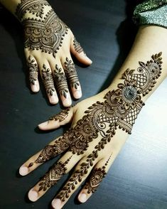 Check out these amazing mehndi designs by the top Mehendi artists before you book online. Some of these Arabic, full hand, Moroccan, mandala bohemian henna designs you will love at the wedding. Henna Hand Designs, Eid Mehndi Designs, Mehndi Designs Finger, Traditional Mehndi Designs, Pakistani Mehndi Designs, Latest Henna Designs, Simple Arabic Mehndi Designs, Mehndi Designs For Fingers, Wedding Mehndi Designs