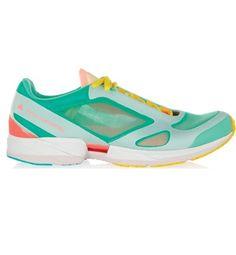 Adidas Stella McCartney http://www.marie-claire.es/moda/accesorios/fotos/zapatillas-deportivas-el-hit-de-las-fashionistas/adidas-stella-mccartney