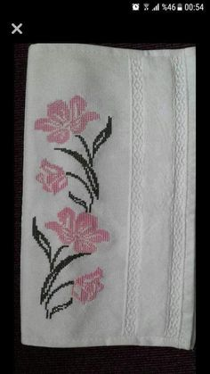 This Pin was discovered by Cec Funny Cross Stitch Patterns, Cross Stitch Borders, Modern Cross Stitch, Cross Stitch Flowers, Just Cross Stitch, Cross Stitch Designs, Cross Stitching, Cross Stitch Embroidery, Hand Embroidery
