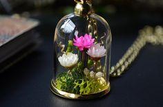Green garden terrarium necklace unique terrarium by VeinsOfNature