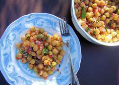 Pierde peso con esta ensalada de garbanzos fácil, rendidora y baja en calorías (RECETA) | ¿Qué Más?