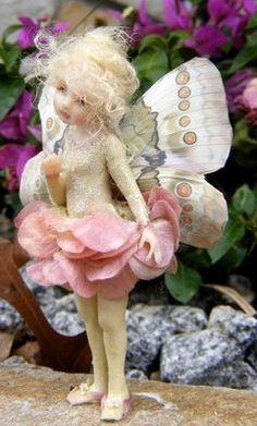 1 million+ Stunning Free Images to Use Anywhere Baby Fairy, Love Fairy, Felt Fairy, Clay Fairies, Flower Fairies, Beautiful Fairies, Beautiful Dolls, Polymer Clay Fairy, Illustration Noel