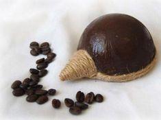 Kávový ježko Styrofoam Ball, Bottle Crafts, Master Class, Hedgehog, Decoupage, Coffee, Handmade, Desserts, Food