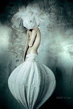Look Fashion, Fashion Art, Editorial Fashion, High Fashion, Fashion Design, Skirt Fashion, Street Fashion, Fashion Women, Style Couture