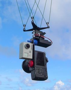 Double Camera Rig by Pierre Lesage, via Flickr, Kite Photography.