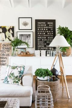Coastal décor styling | Raw, natural elements | Tropical scatters | Greenery | See our post for more beach vibe inspo | Photo by Steve Ryan, Rix Ryan Photography | visit www.wishtank.co.za for more home décor ideas and inspiration ♥