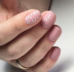 Opting for bright colours or intricate nail art isn't a must anymore. This year, nude nail designs are becoming a trend. Here are some nude nail designs. Best Nail Art Designs, Nail Designs Spring, Simple Nail Designs, Spring Design, Neutral Nail Designs, Neutral Nail Art, Nagellack Design, Nagellack Trends, Trendy Nails