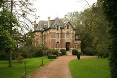 Beautiful 19th century chateau in the Oise department