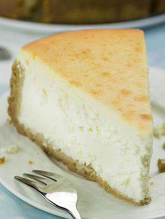 The best and easy recipe for a classic, melt-in your-mouth New York Style Cheesecake! Rich and dense, but creamy and smooth at the same time, this...