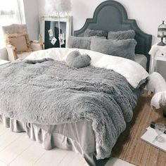 SOFO Coral Fleece Shearling Bedding Set Quilt Cover Bed Sheet Warm Mink Cashmere Cover Pillowcase is hot sale on Newchic with discounts. Velvet Bedding Sets, Luxury Bedding Sets, Comforter Sets, Queen Bedding Sets, King Comforter, Black Bedding, Linen Bedding, Bed Linens, Dorm Bedding