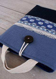 Laptop sleeve/ bag by SandraStJu, via Flickr