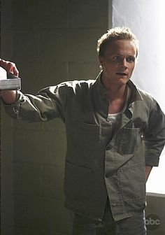 """David Anders as Julian Sark. He's goodlooking and sassy. While he's not necessarily evil, and he's definitely not cruel, he's still a real """"watch out for him"""" bad guy. So he's a beautiful villain with a conscious. Could he be anymore perfect? Oh yeah. He's also British."""