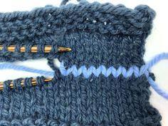 Hand Knitted Sweaters, Warm Sweaters, Sweater Knitting Patterns, Knitting Stitches, Long Sweaters, Hand Knitting, Knitted Hats, Sweaters For Women, Oversized Sweaters