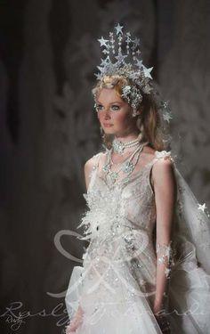 Finale Le conte de fées Rusly Tjohnardi Atelier Bridal Collection 2011-2012