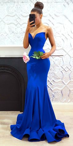 Graceful Satin Sweetheart Neckine Mermaid Prom Dress