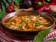 Przepis Magdy Gessler: flaki z pulpecikami Tripe Soup, Diced Potatoes, European Cuisine, Gram Flour, National Dish, Pickling Cucumbers, Polish Recipes, Polish Food, Cooking Instructions