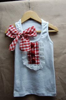 So cute! I just love red gingham check in the Summer:)