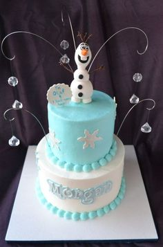 I made this for my niece's birthday. We went to see Frozen together and she loved Olaf. She designed this cake herself, and I made it come to life! Frozen Theme Cake, Disney Frozen Birthday, Fancy Cakes, Cute Cakes, Olaf Cake, Halloween Desserts, Halloween Cakes, Halloween Party, Character Cakes
