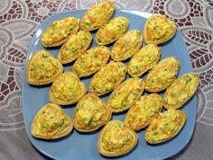 Тарталетки с печенью трески и луком https://www.go-cook.ru/tartaletki-s-pechenyu-treski-i-lukom/  Настоящая закуска на скорою руку. Готовиться из почти всего готового, кроме яиц, которые требуется сварить. Этот рецепт выручит вас, если вам необходим лёгкий ужин, или случились неожиданные гости! Рецепт тарталеток с печенью трески и луком Время подготовки: 15 минут Время приготовления: 15 минут Общее время: 30 минут Кухня: Русская Тип: Закуска Порций: 20 Ингредиенты Пятьдесят … Читать далее…