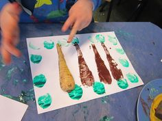Printing with root vegetables whilst reading the story The Enormous Turnip Traditional Tales, Traditional Stories, Eyfs Activities, Creative Activities, Minibeasts Eyfs, Foundation Stage, Creative Area, The Gruffalo, Expressive Art