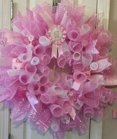 Welcome Baby Girl Wreath, Baby Wreath, Baby Shower Wreath, It's a Girl Wreath, New Baby Wreath, Baby Wreaths, Mesh Wreath Tutorial, Diy Wreath, Baby Shower Baskets, Baby Boy Shower, Baby Deco, Welcome Baby Girls, Homemade Wreaths