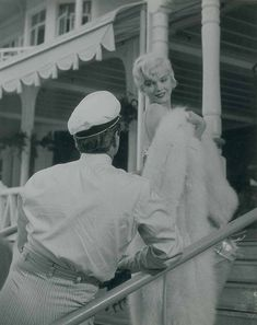 """""""Marilyn Monroe on the set of Some Like It Hot, """" Golden Age Of Hollywood, Classic Hollywood, Old Hollywood, Marilyn Monroe Life, Marilyn Monroe Photos, Movie Club, Becoming An Actress, Tony Curtis, Film Institute"""