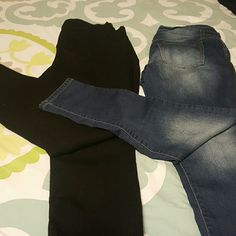 2 Pair of Jeans Old Navy & Rue 21 Black pair are curvy profile mid rise jeans size 12R... the 2nd pair are Rue 21 Jogger Jeans Super Soft size 11/12R. Both in great condition,  just lost a ton of weight. Inseam is 29.5 on both.  Skinny at the bottoms. I DO NOT TRADE OR USE PAYPAL. Old Navy Jeans Skinny