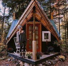 Would make a beautiful entrance to the tiny house if we ever built on. Could even easily tie in the roof lines...