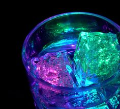Glass with colored icecubes