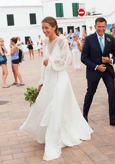 Long Sleeve Wedding Inspo Source by SantinaAmendola Dream Wedding Dresses, Wedding Gowns, Wedding Bells, Boho Wedding, Ethereal Wedding, Vestidos Vintage, Long Sleeve Wedding, Dream Dress, Perfect Wedding