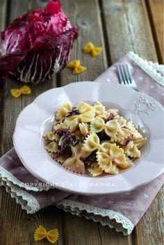 Farfalle al radicchio e formaggi ricetta cremosa