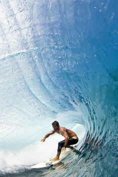 Perfect Teahupoo, March  Photo: Ben Thouard