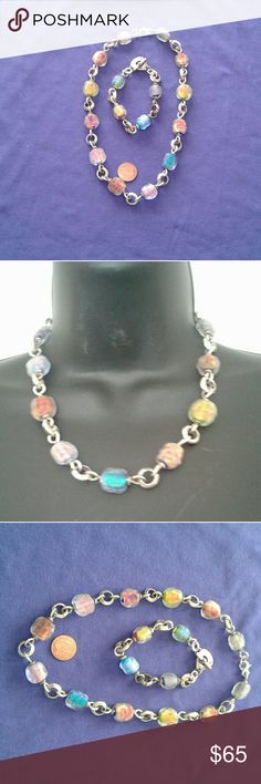 """STERLING NECKLACE &BRACLET GLASS SET FROSTED GLASS BEADS BUT YET WITH SOME ILLUMINATION OR FOIL. VERY UNUSUAL.  THE STERLING CHAIN LINKS ARE PRETTY CHUNCKY WHICH ARE IN LINE WITH the CHUNKNESS OF THE GLASS STONES. STAMPED 925 ON BRACLET TOGGLE& LOBSTER CLASP ON NECKLACE.  NECKLACE APPROX 18 1/2"""" FROM END TO END. BRACLET 8"""" LONG. IN GREAT CONDITION.  BOUGHT AT AN ART GEM SHOW. KEEP AN EYE OUT AS MOST OF US FOLKS  R GETTING RID OF SOME OF OUR JEWERLY. :)  4th pic just shadow NO silver loss…"""