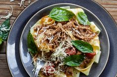 Pappardelle Al Ragu - Make delicious beef recipes easy, for any occasion Pappardelle Pasta, Beef Broth, Japchae, Beef Recipes, Easy Meals, Ethnic Recipes, Blues, Food, Winter