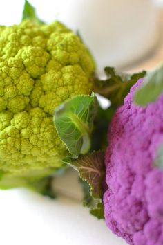 Coloured cauliflower tartlets || Tartelettes colorées aux 2 choux-fleurs. --> www.lesrecettesdejuliette.fr